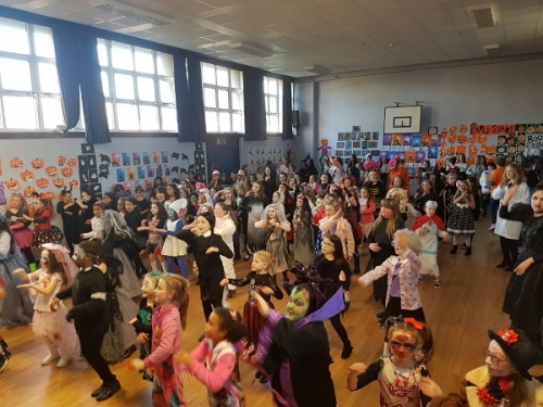 We had great fun at our special Halowe'en Wake up Shake up, our spooky orienteering hunt, and our ghoulish skeleton bone race!